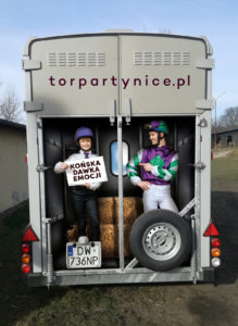WTWK-Partynice-HORSE-TRAILER-back