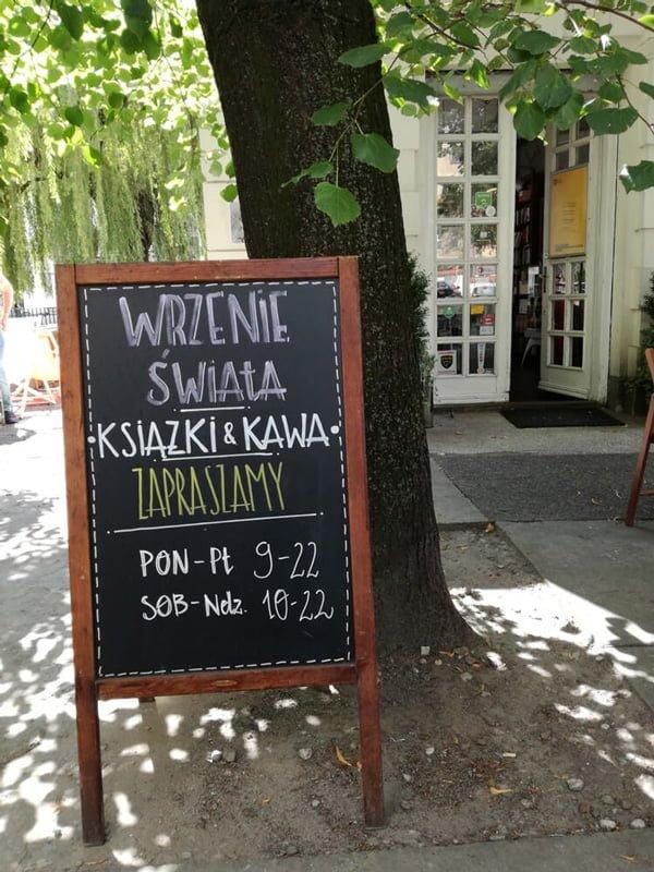 Klubo-kawiarnia Wrzenie Swiata 01