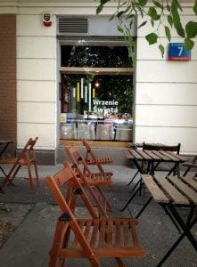 Klubo-kawiarnia Wrzenie Swiata 03