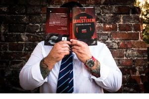 Byłem gangsterem - autor z książką